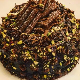 Chocolate pistachios Cake 9 inch $44.99